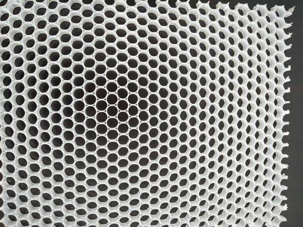 什么是热塑性蜂窝芯?热塑性蜂窝芯的特性是什么?